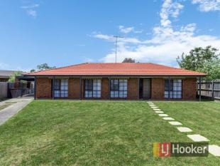 5 Daniher Close property for sale