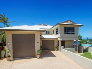 5 bedroom property for sale in 44 Booth Ave...