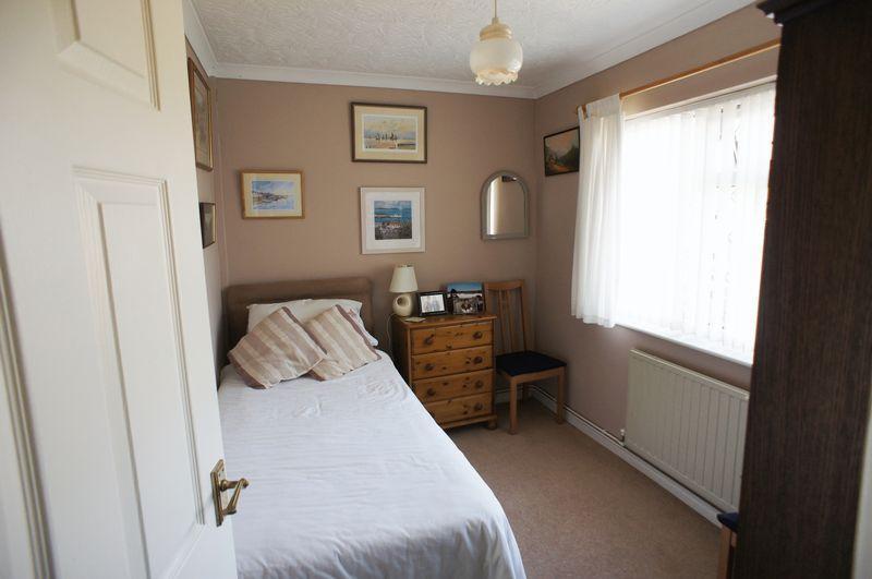 Bedroom 3 - gr...