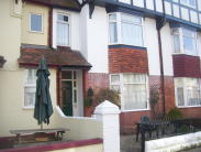 Flat to rent in Norman Road, Paignton...