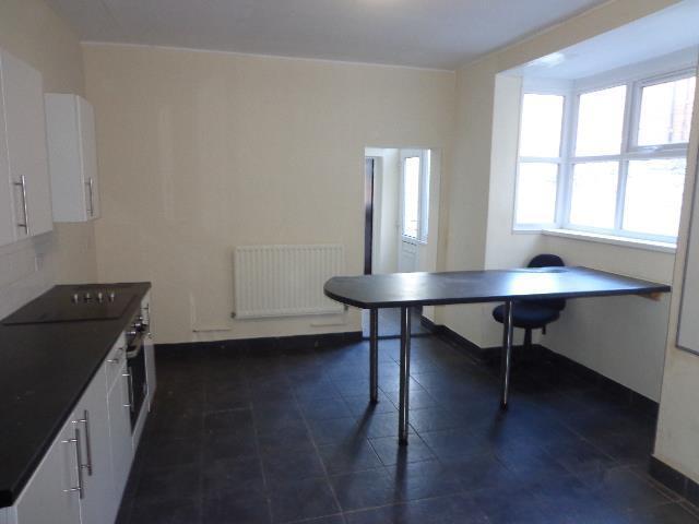 1st kitchen.jpg