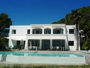 Villa for sale in Between Ibiza and San...