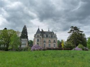 Castle for sale in Richelieu, France