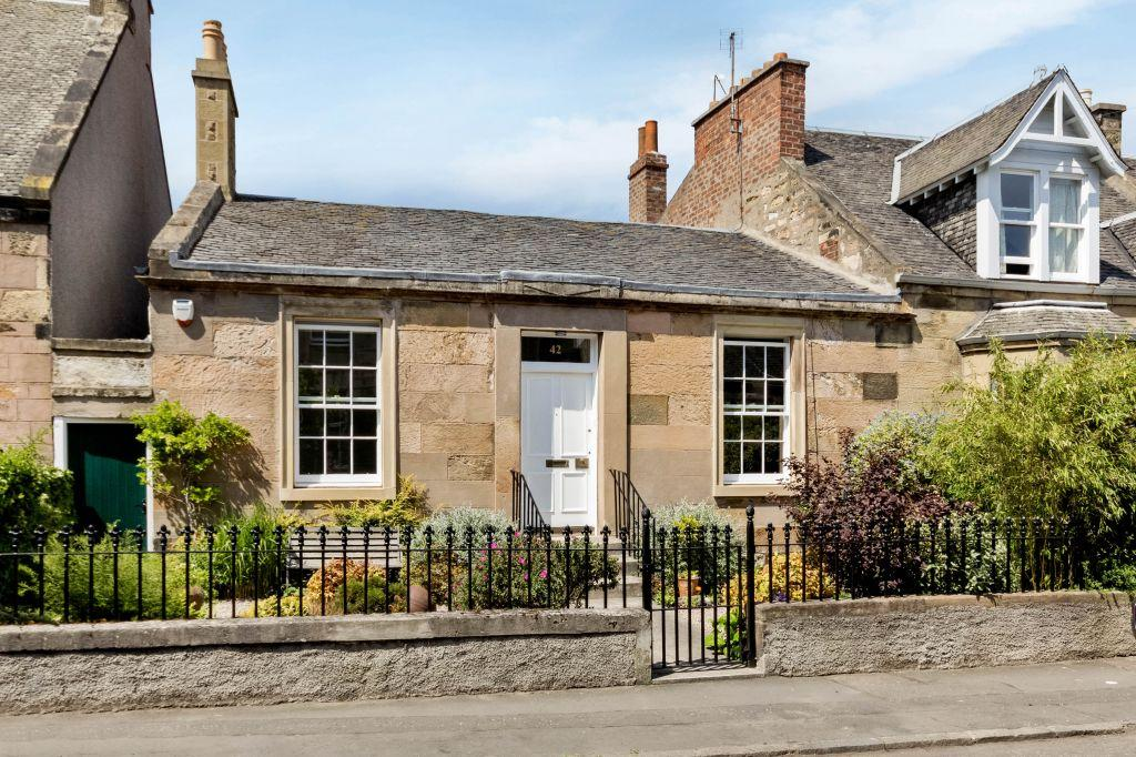 4 bedroom end of terrace house for sale in 42 regent