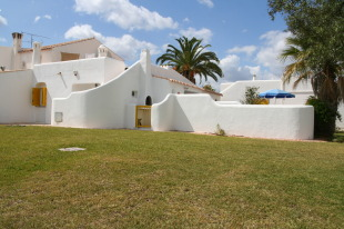 2 bed Town House for sale in Algarve, Vilamoura