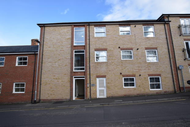 2 bedroom apartment to rent in the court victoria street