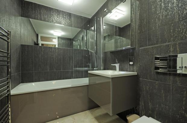 34 CH Bath.jpg