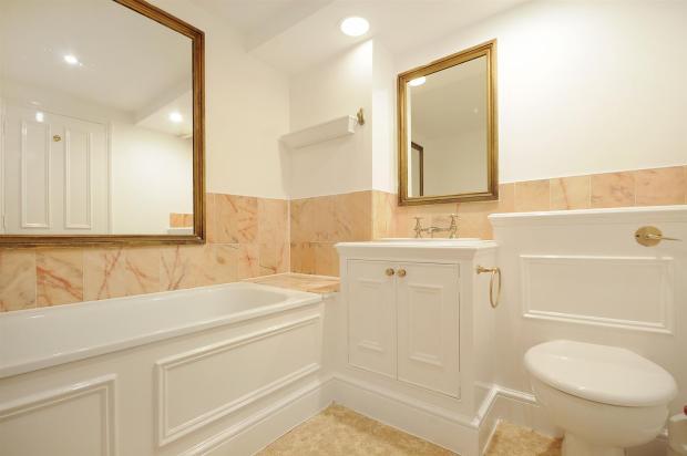 3 HHFJ bathroom.jpg