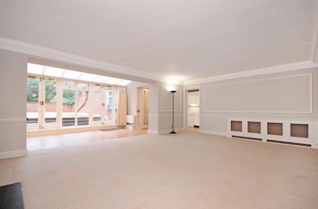 3 HHFJ living room 2