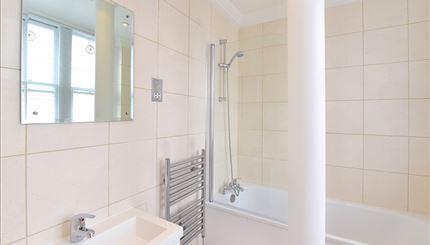 Flat 54 Bathroom.jpg