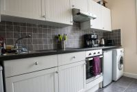 property to rent in ONE BEDROOM FLAt - GLOSSOP ROAD