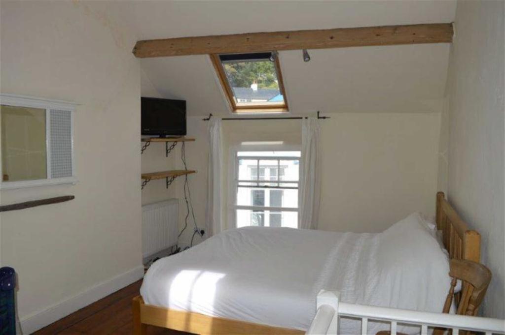 Open Plan Bedroom/Li