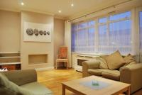 3 bedroom Flat in Winchester House, W2
