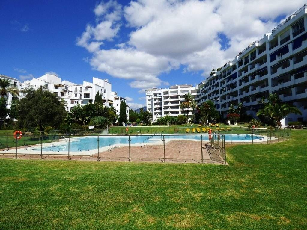 3 bed Penthouse for sale in Marbella, Malaga, Spain