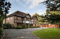 6 bedroom Detached home in BURNHAM BEECHES SL1