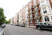 3 bed Ground Flat in Nr SLOANE SQUARE...