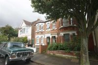 2 bed Flat to rent in Willcott Road, London