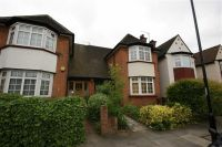 4 bedroom semi detached property to rent in The Drive, London
