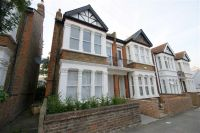 Flat in Mill Hill Road, Acton...