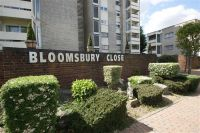 Flat to rent in Bloomsbury Close, London