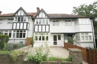 4 bed Terraced home to rent in Manor Gardens, London