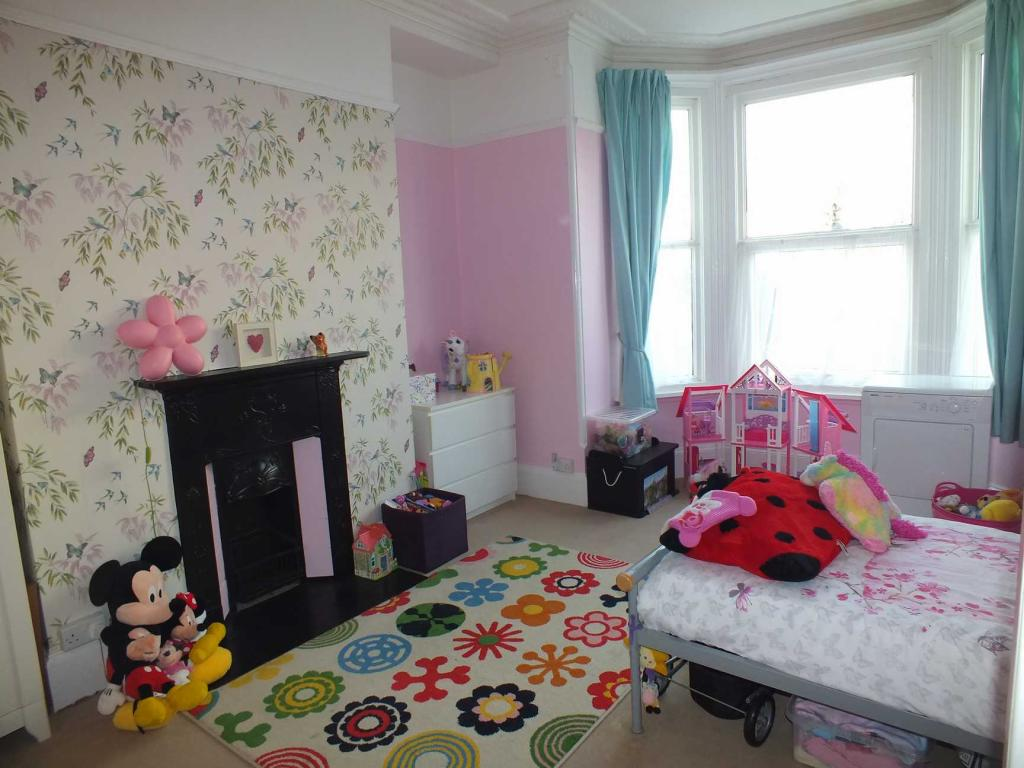 Front bedroom/reception