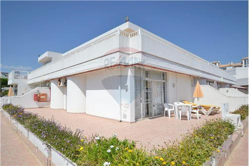 2 bed Apartment for sale in Albufeira, Algarve