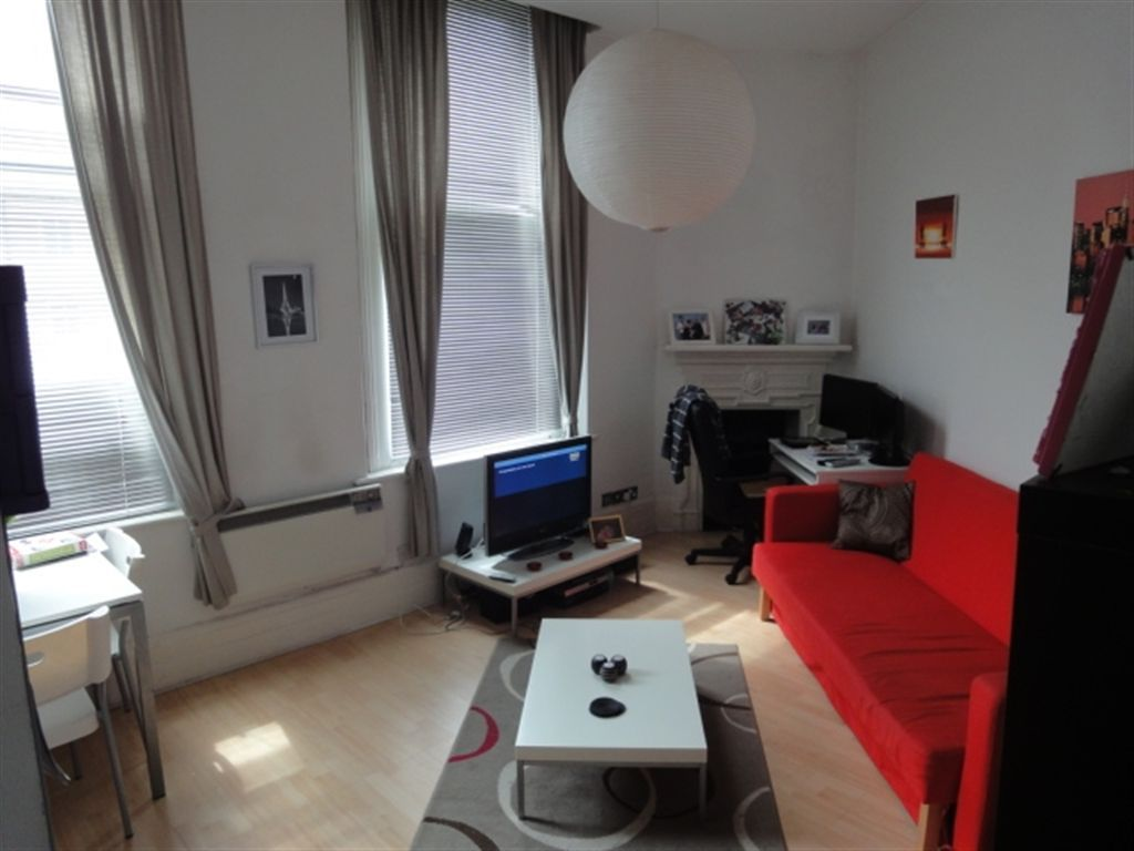 1 bedroom flat to rent in flat 5 royal victoria building. Black Bedroom Furniture Sets. Home Design Ideas