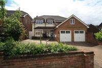 5 bed Detached property to rent in Laindon - Basildon -...
