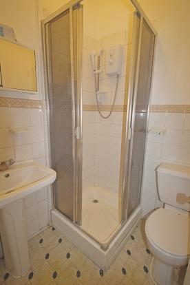 859_shower.jpg