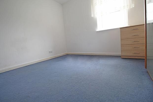 864_bedroom.JPG
