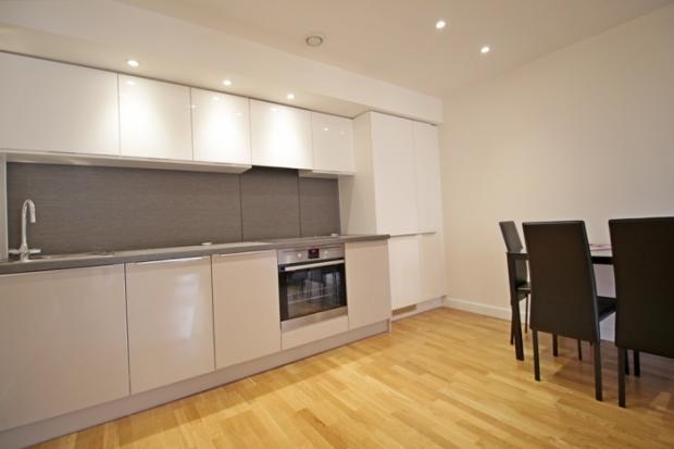 879_kitchen 18.jpg