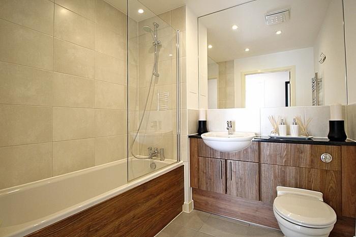 880_Bathroom.jpg