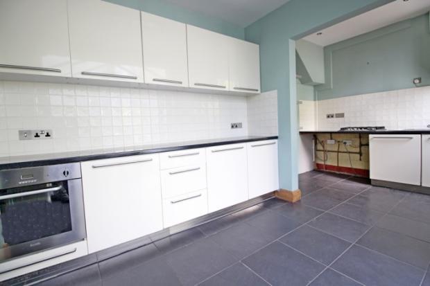 905_kitchen.jpg