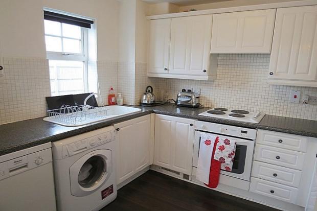 906_kitchen.jpg
