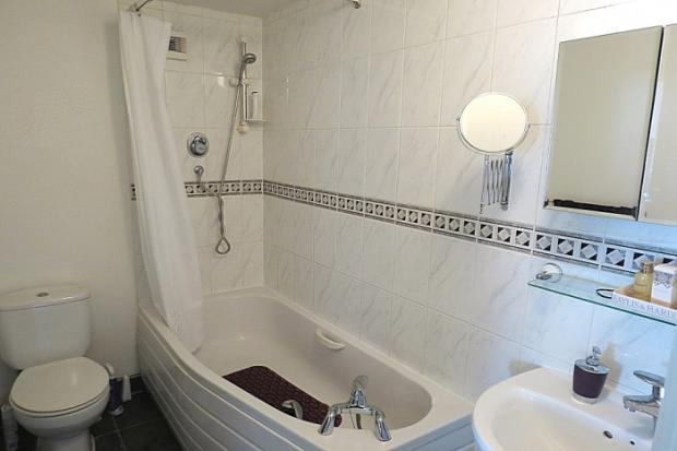 906_bathroom.jpg