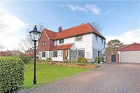 6 bedroom Detached house in West End, Kemsing...