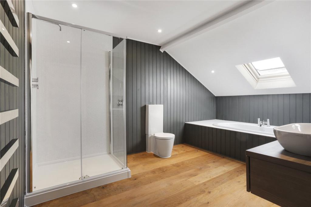 Bluebell Farm Estate,Bathroom
