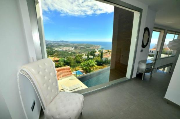 New Spanish villa with sea views
