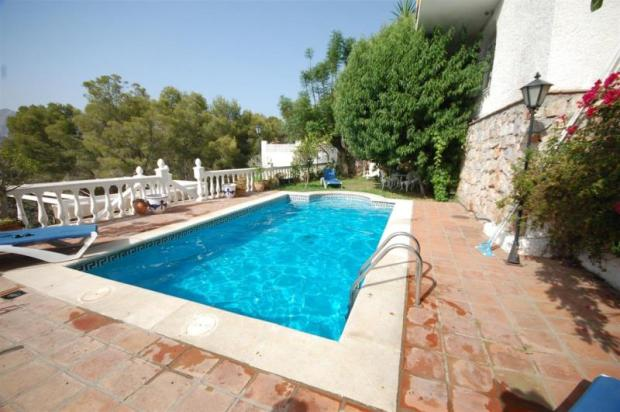 Villa for sale in La Herradura with great sea view