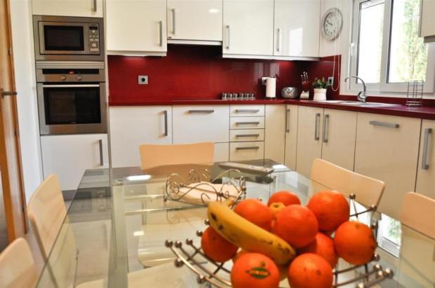 Luxurious kitchen with quartz work tops