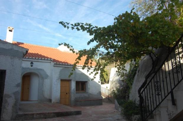 Villas with pool for sale in Salobrena
