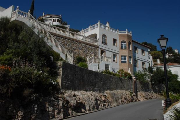 Impressive facade of villa w/ separate 2 bed apt.