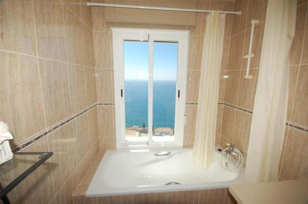 You can even enjoy the sea view from the bath tub!