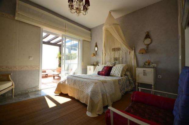 Bedroom opens onto to terrace & has ensuite bath