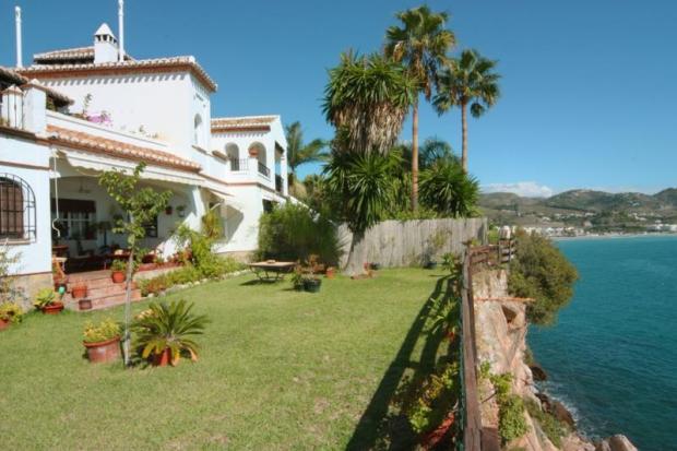 Villa for sale in La Herradura