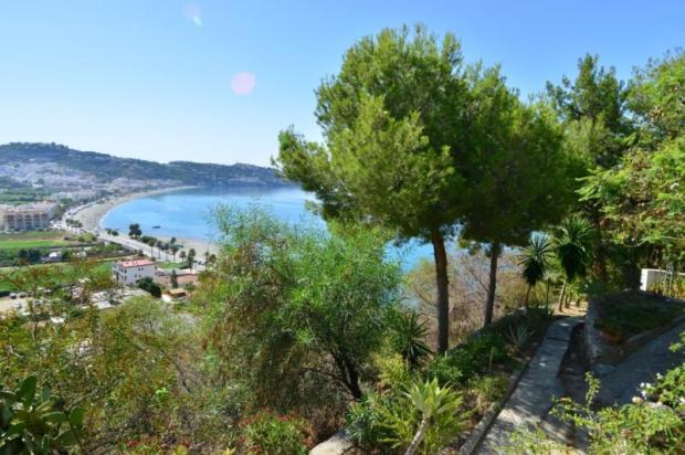 Building plot for sale in Spain near the beach