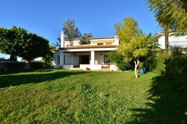 Villa for sale in Costa Tropical