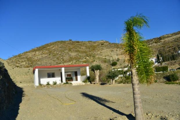 Country house less than 20 minutes to beach