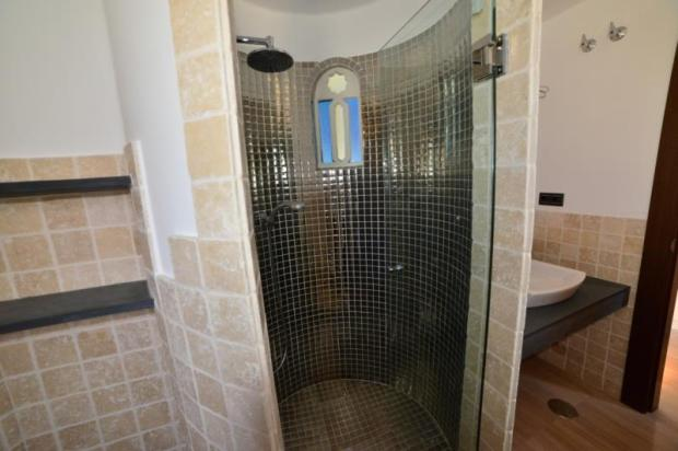 nice bathroom with walk in shower